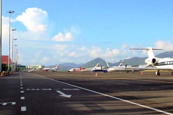 Bandara Sam Ratulangi, Manado, Sulawesi Utara. ZonaAero