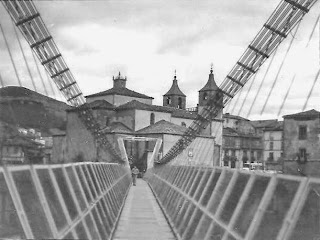 Vista del puente colgante de Cangas del Narcea