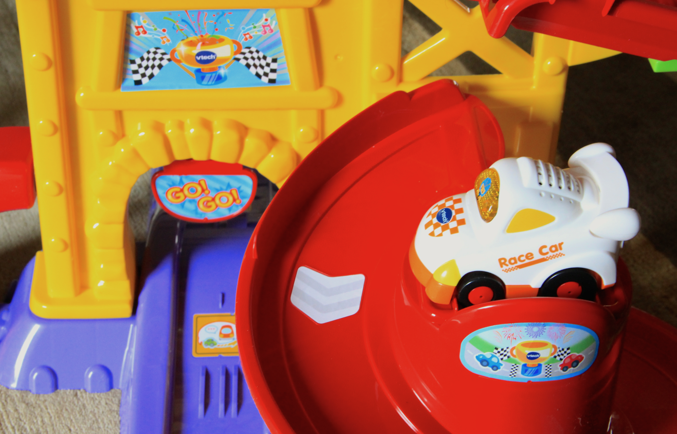 Go! Go! Smartwheels Ultimate Amazement Park Playset by VTech Smartpoint
