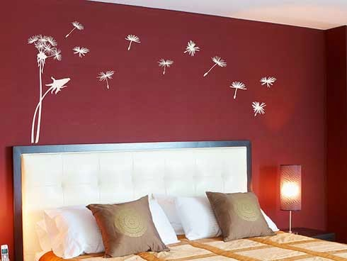 bedroom decorating ideas with red wall decals