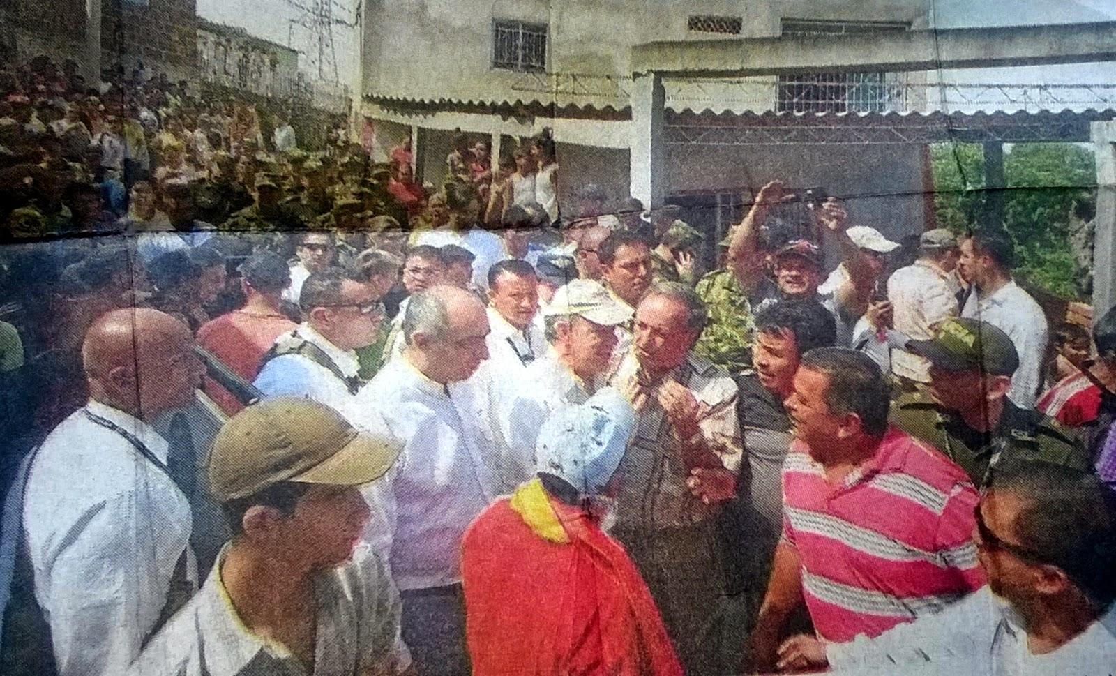 El presidente Santos acompañado del alcalde Donamaris en su visita a Cúcuta el 11Abr2014