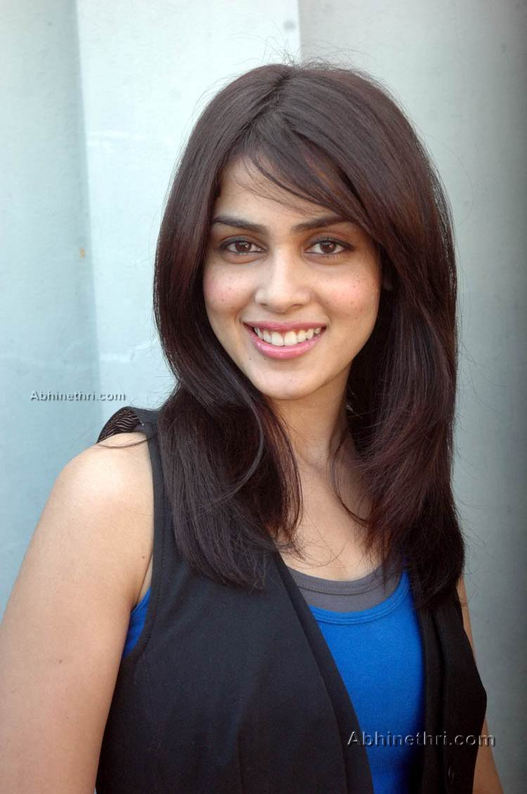 angelina jolie hd wallpapers: genelia hd wallpapers
