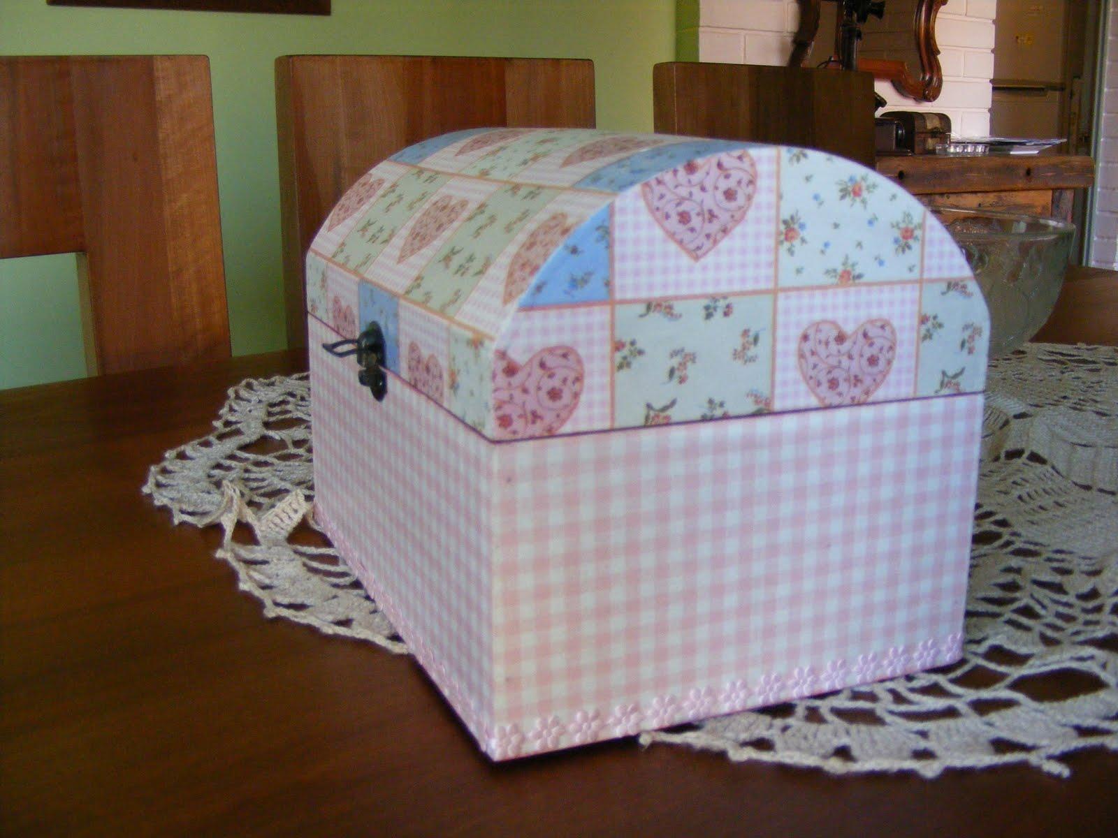 Recortes recuerdos y sue os baul decoupage for Decoupage con servilletas en muebles