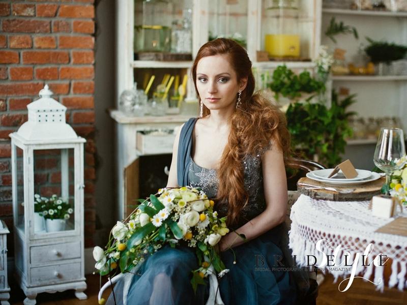 http://kondraciuk.blogspot.com/2014/08/bridelle_22.html