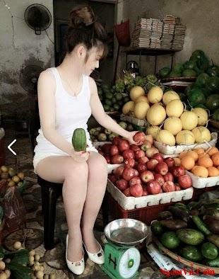 Bạn sẽ mua trái cây gì để giúp cô ấy đây?