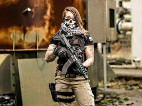 GAMBAR Wanita bekas tentera buru pemburu haiwan liar