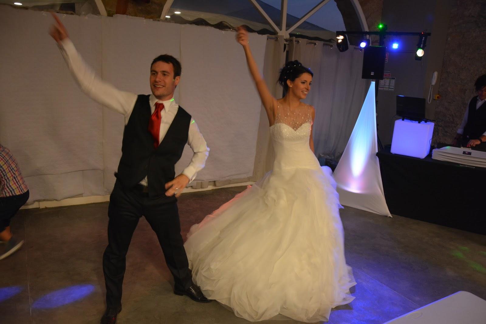 photos mariage entr 233 e des mari 233 s dans la salle repas