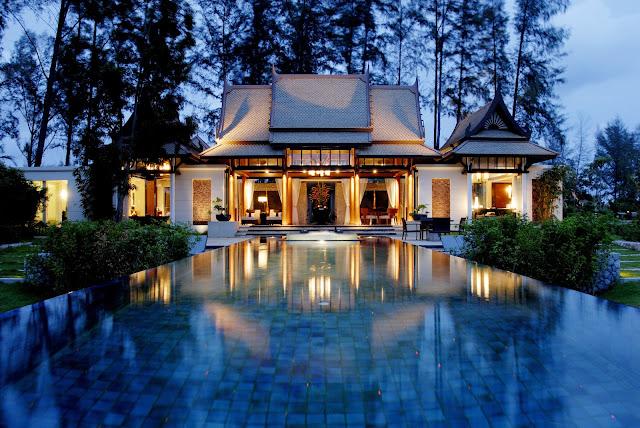 7 Hotel yang Cocok untuk Honeymoon di Phuket