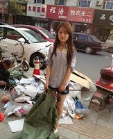 Gadis Cantik dan Sexy Rela Jadi Pemulung Di China