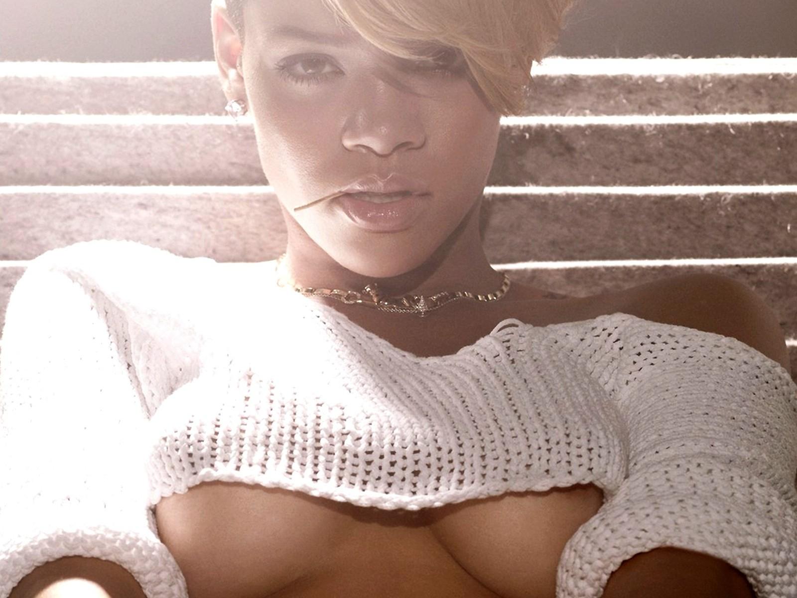 http://3.bp.blogspot.com/-1QLYbw4CxSA/T2VmGRbUckI/AAAAAAAABVQ/VmZwC9Gvxk0/s1600/Rihanna+hd+Wallpapers+2012_3.jpg