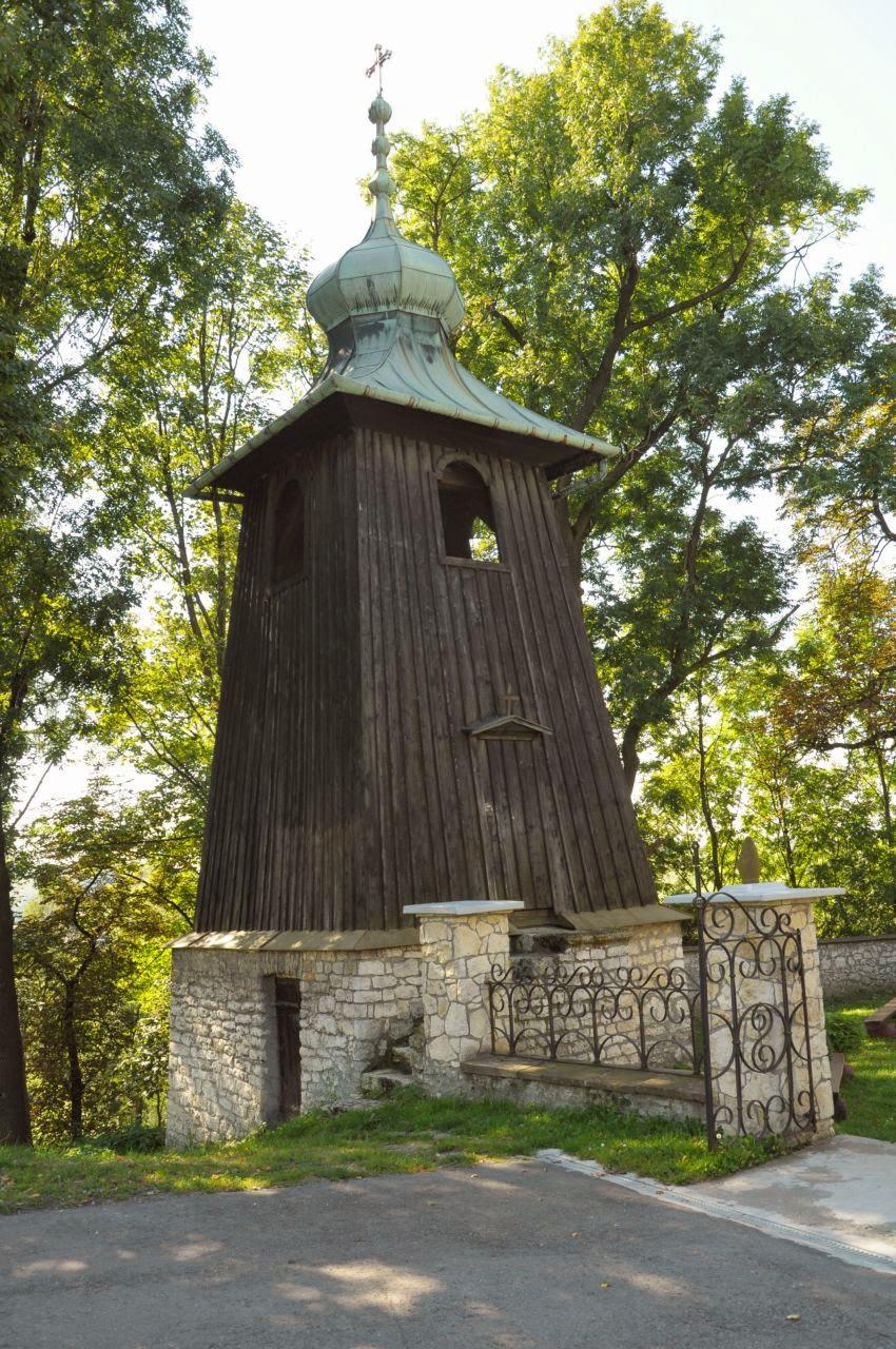 Drewniana dzwonnica w Sąspowie