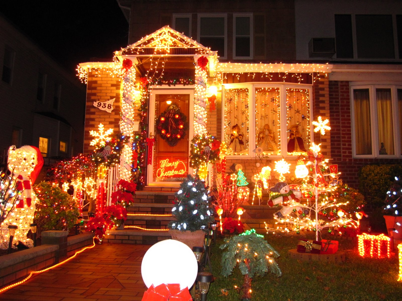 dyker heights christmas lights has been quite a local spectacles i vaguely remember watching it on the local news many years ago and always wanted to - Christmas Lights In Brooklyn