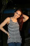 Aksha latest glamorous photos-thumbnail-10