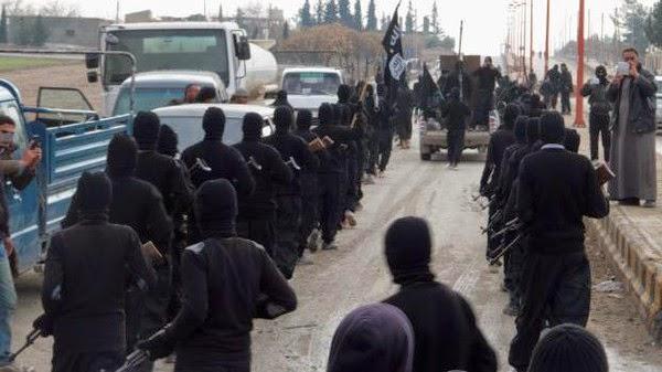 """تواصل الاشتباكات في جامعة الأنبار بين قوات الجيش العراقي ومسلحين من """"داعش"""""""