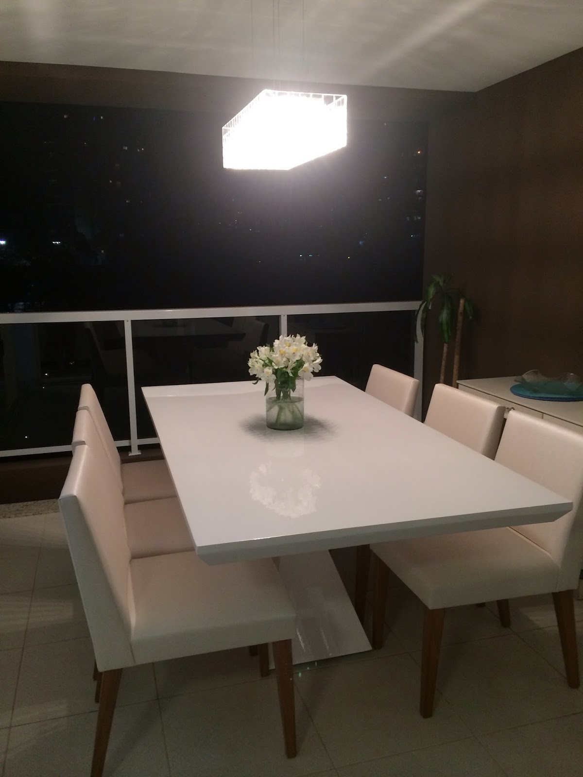 Cadeira Para Sala De Jantar Branca ~  Mesa de Jantar em resina sob medida varios modelos e cores Branca