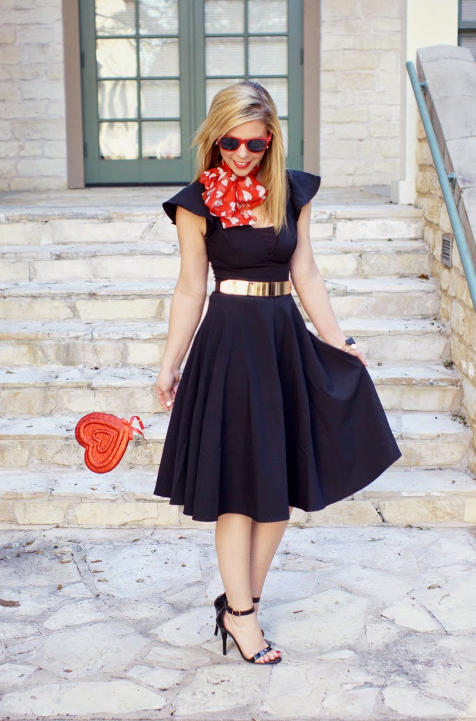 Retro Valentine's Day OUtfit Idea