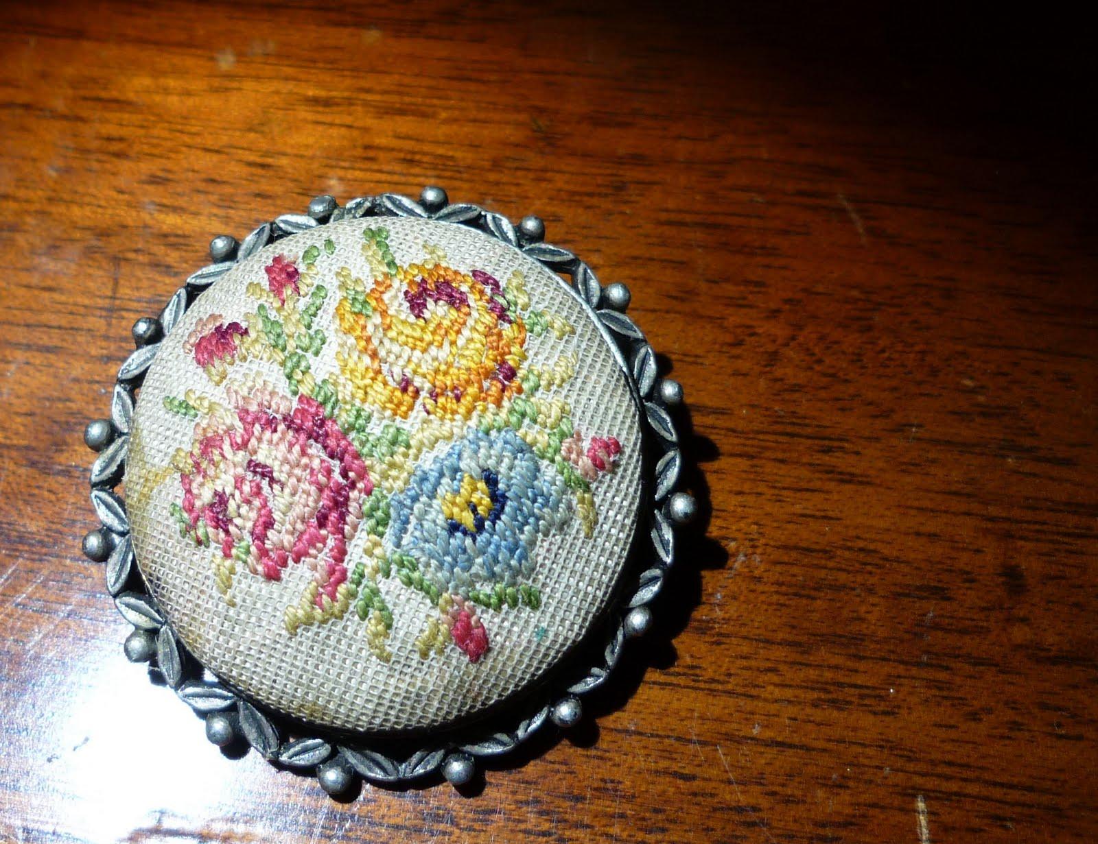 The Geeky Goblin: Rose brooch cross stitch pattern