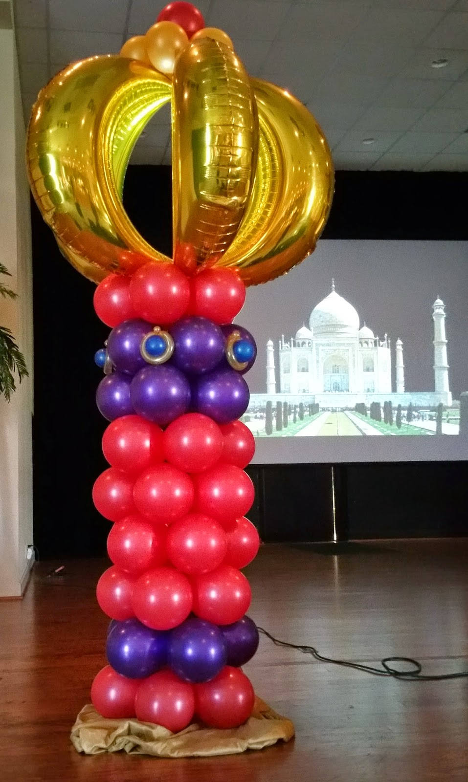 how to make a balloon column with 3 colors