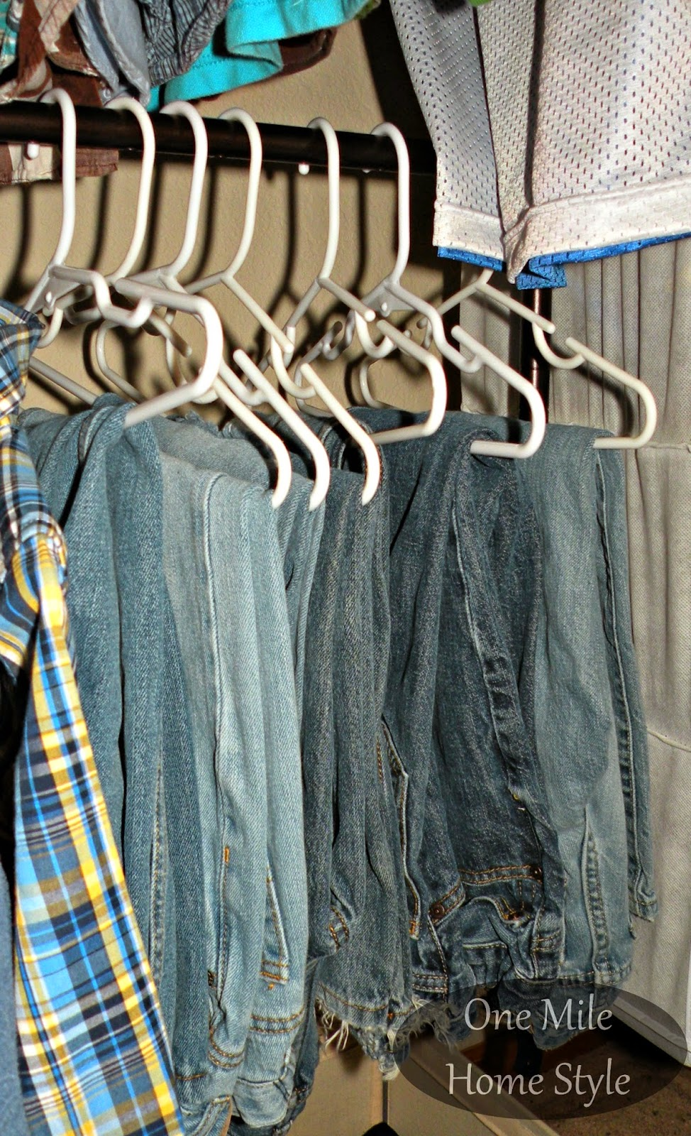 Hanging jeans for better organization