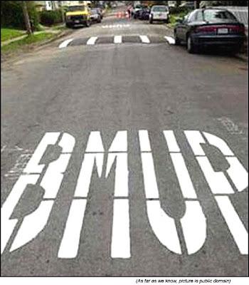 Panneaux comiques - Page 4 Random-funny-stuff-funny-road-signs-BUMP