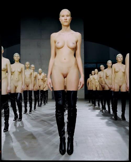 36 models explicit nude theatre 1