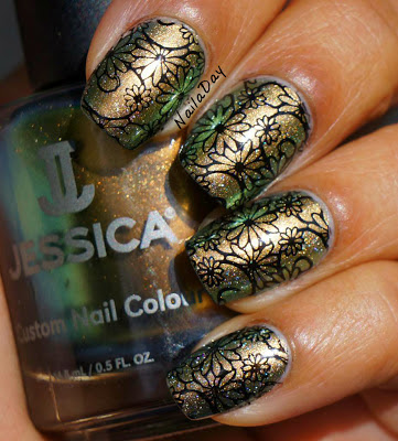 NailaDay: Jessica Iridescent Eye with NOPI Wink of Tink and stamping