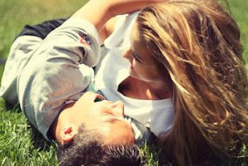 Te quiero tanto, que no sé si habrás notado que en el mundo apenas queda amor para nadie más.