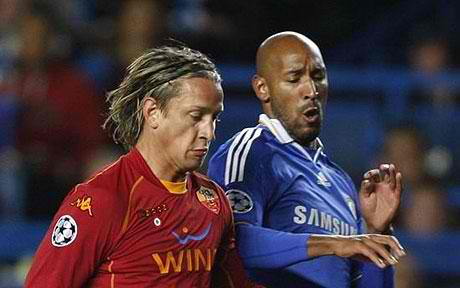 Roma's Mexes battles against Chelsea striker Anelka