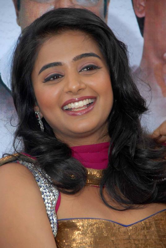 , Priyamani Looking Hot In Latest Face Close Up Pics