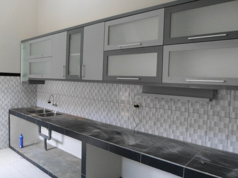 Kitchen set minimalis pintu kaca engsel hidrolis kitchen for Dapur set aluminium