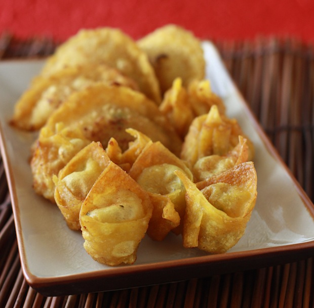 Crispy Fried Wontons recipe by SeasonWithSpice.com