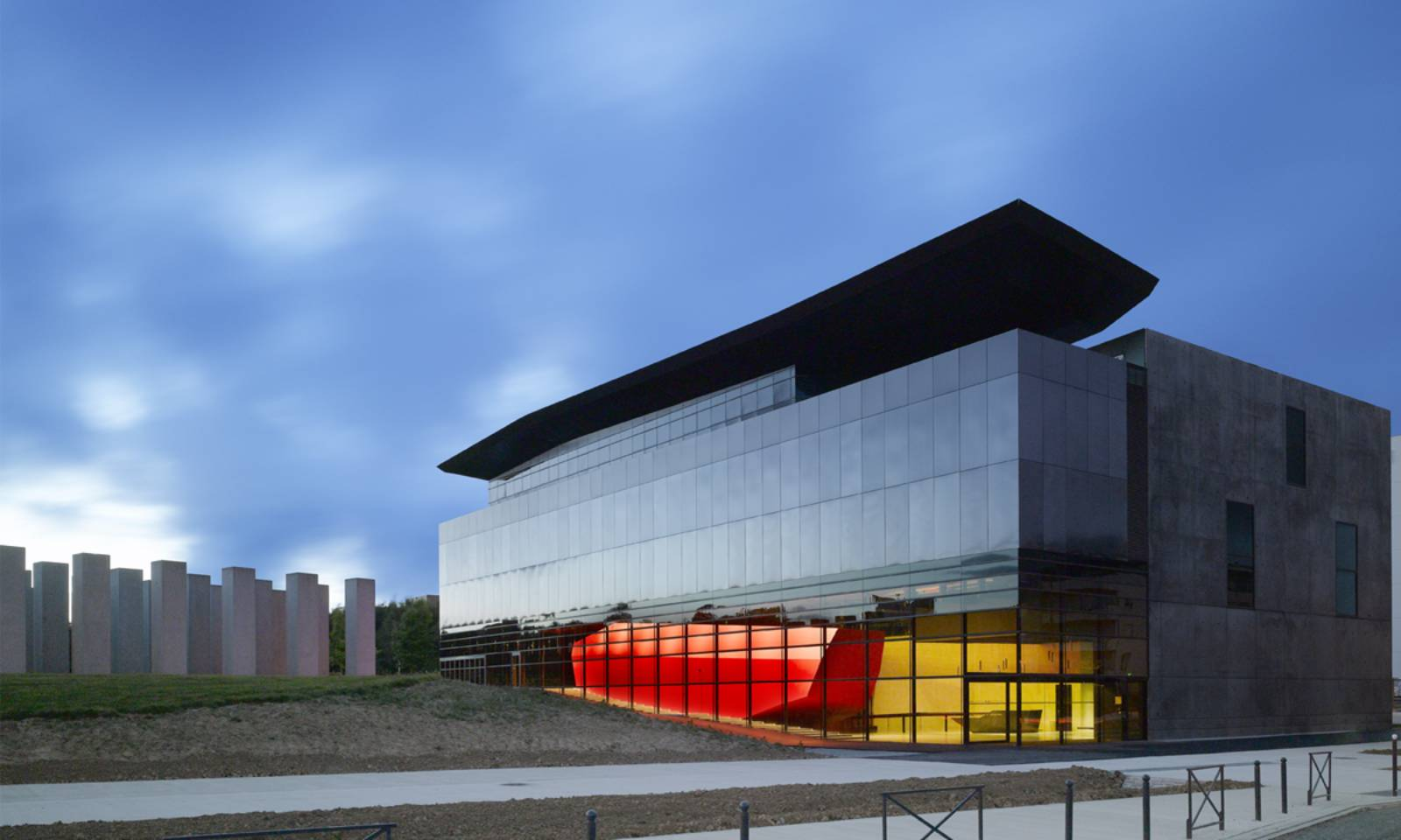 Frac bretagne by studio odile decq for Architecture rennes