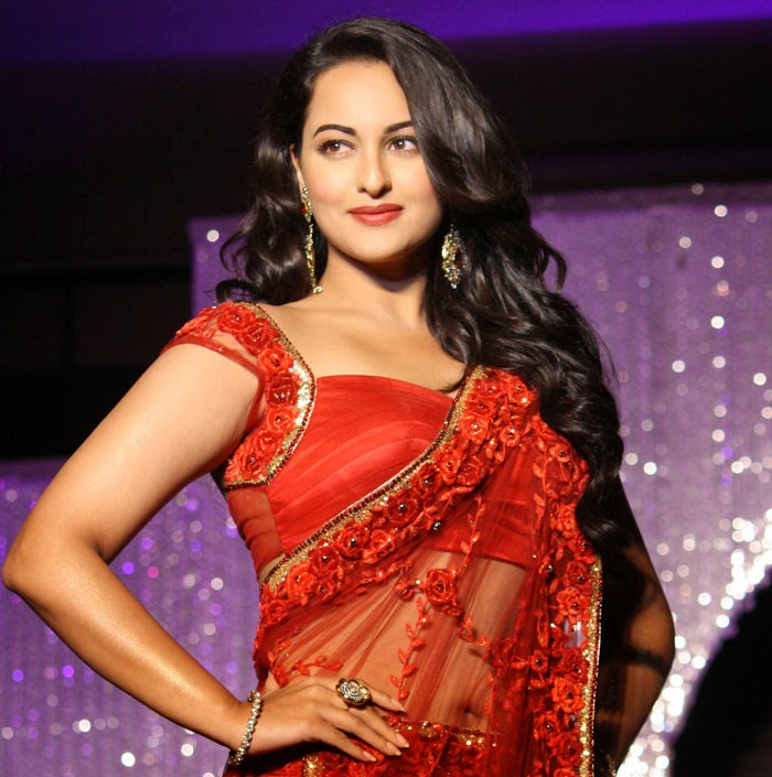 Sonakshi Sinha in red saree Hot Pictures