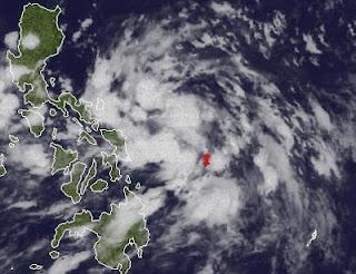 System 95W (Taifunsaison 2012, potentiell MAWAR / AMBO) zieht auf die Philippinen zu, Ambo, Mawar, Taifunsaison, Taifunsaison 2012, aktuell, Satellitenbild Satellitenbilder, Philippinen, Pazifik,