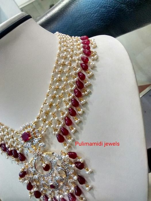 Linked Chains Light Weight Pearl Set
