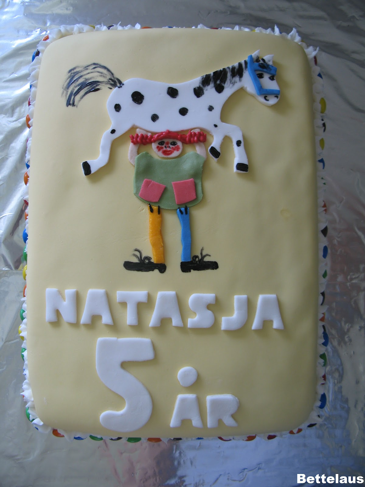festlige og deje kager