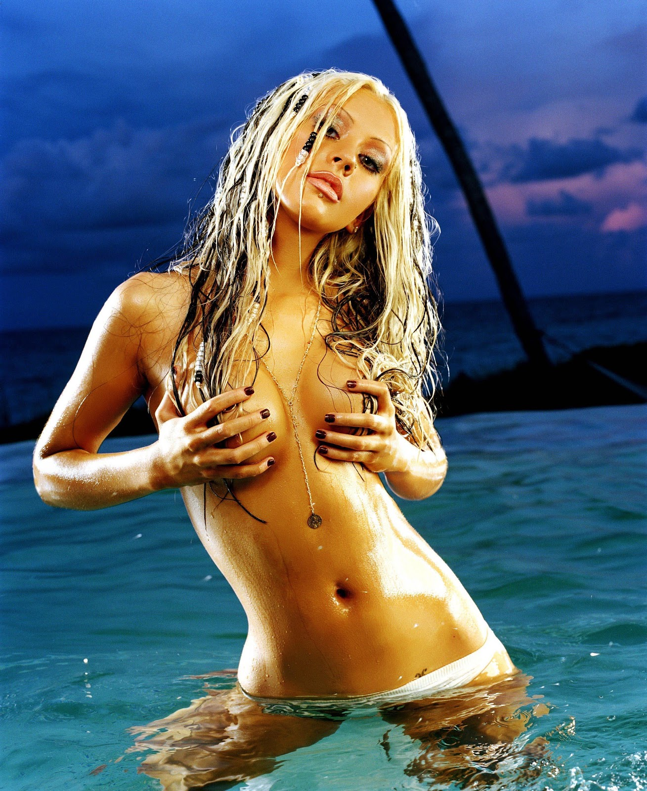 christina aguilera topless hd