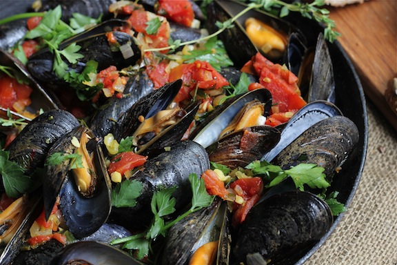Mussels With Saffron And Tomatoes Recipes — Dishmaps