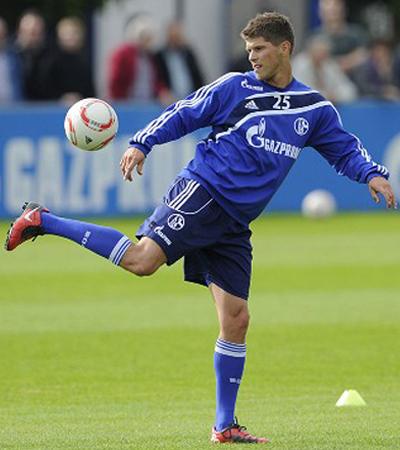 Klaas Huntelaar Schalke Striker Transfer Man Utd