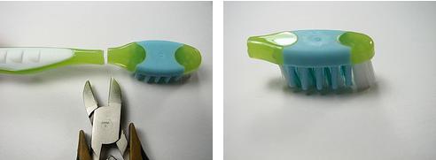 potong sikat gigi pada bagian leher