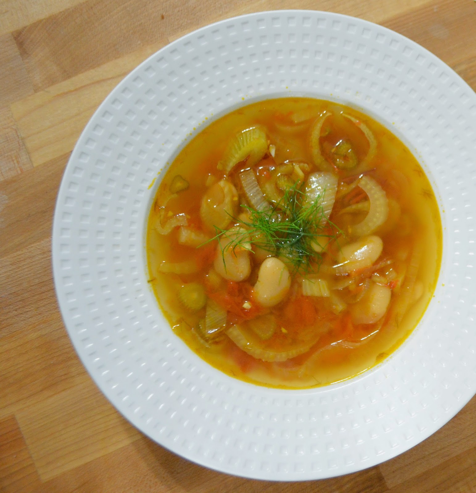 iron stef: fennel & white bean soup with slow-roasted tomatoes
