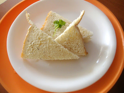 Hung Curds Sandwich   Sandwich with Hung Curds Dip