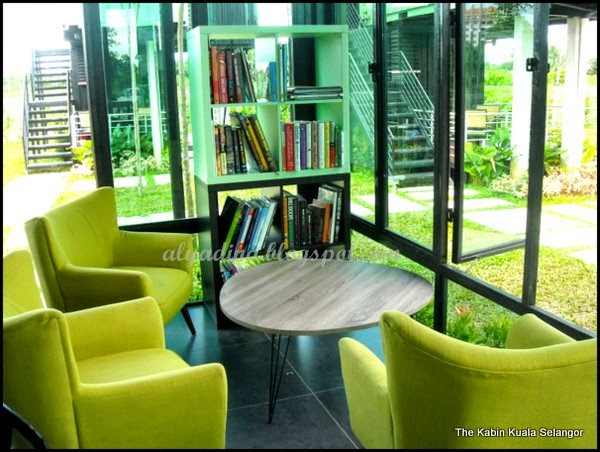 Ruang Membaca Thekabin