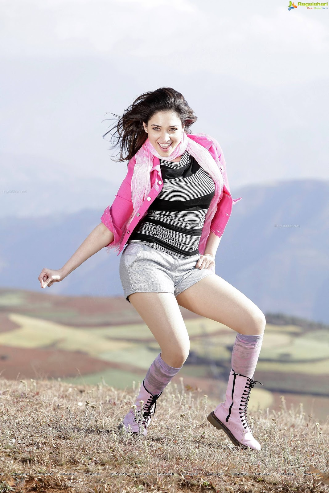 Tamanna in Shorts - Hot Thighs -  Tamanna Mini skirt HD Wallpapers