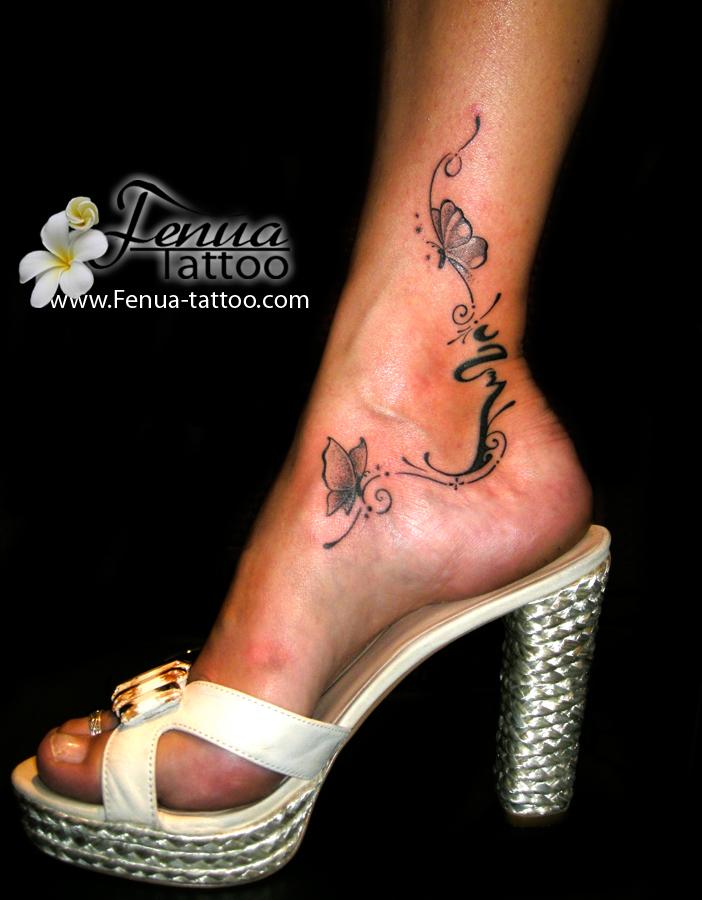 Tatouage de papillons et lettrage sur le pied par tahiti tattoo sanary tahiti tattoo - Tatouage pied cheville ...
