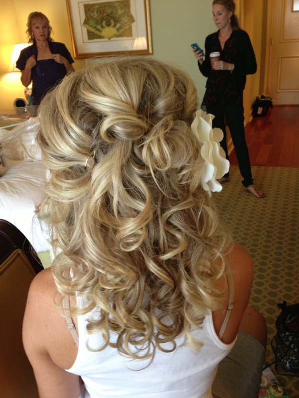 curly wedding hair down and updos for Medium-length Hair