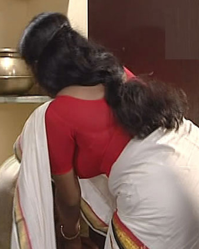 Kerala Aunty Hot Saree and Blouse Pictures