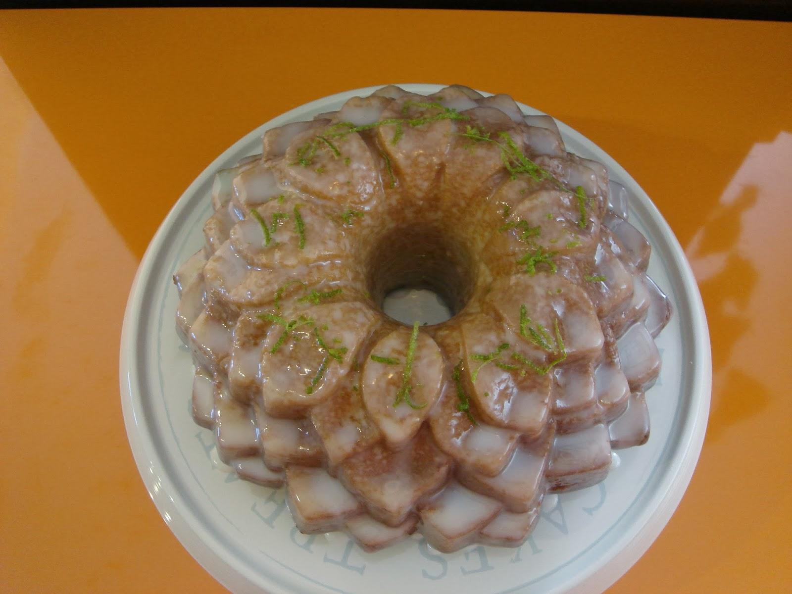bundt cake de lima y limon