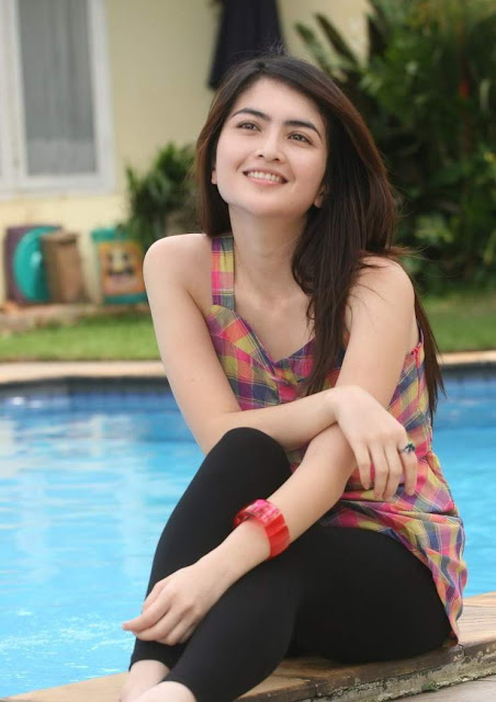 Ida Ayu Kadek Devi - Beautiful Smile and Full Color Dress (02)...