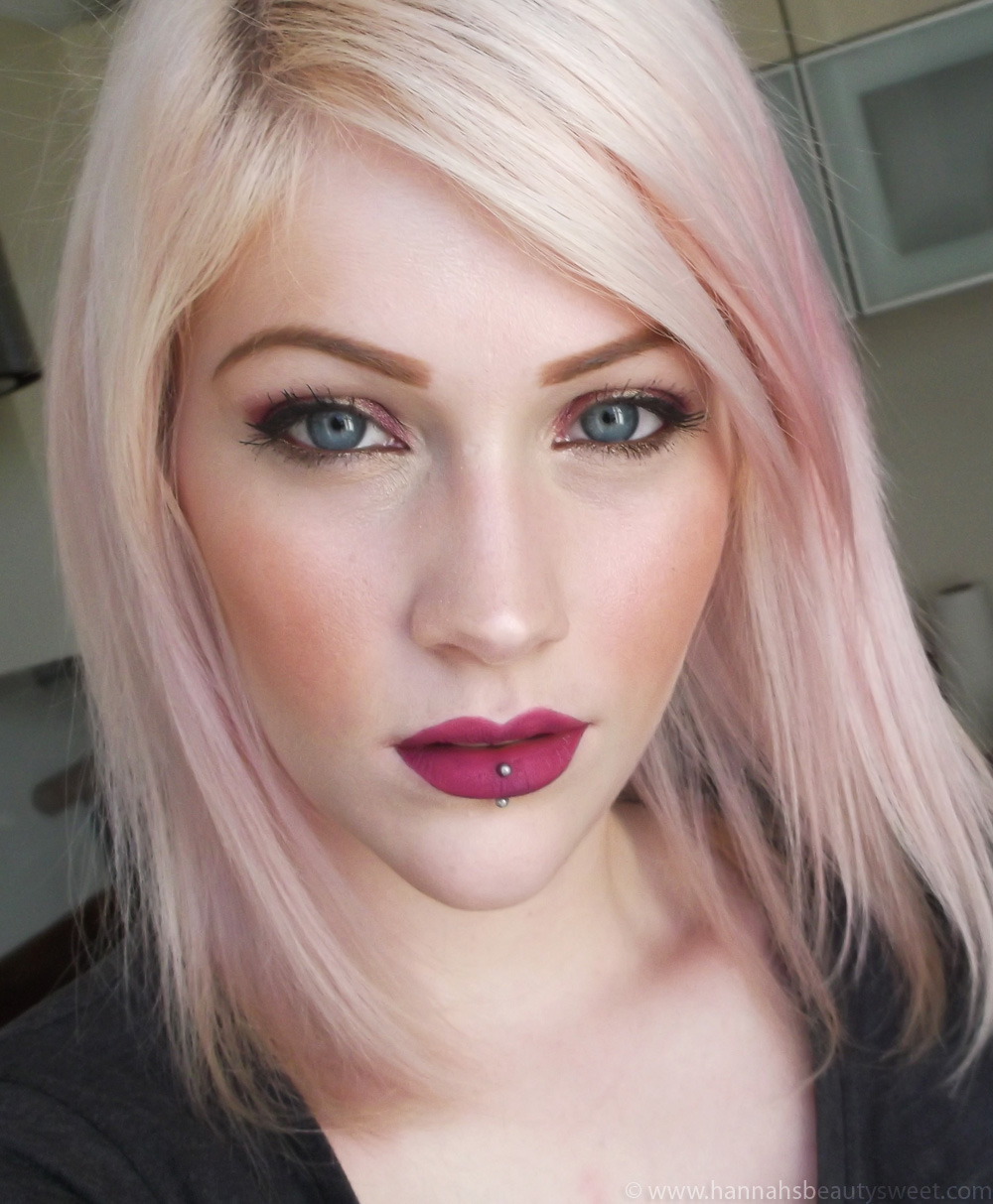 Lips, matte lipstick, matte lips, Topshop, Velvet lips, The Damned, swatch, purple lips, girl, blonde, purple lipstick